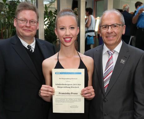 v. l.: Chr. Annuschat, Franziska Pross, Dr. J. Gradl (Foto: Pfeifer)