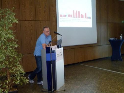 Prof. Dettmar bei seinem locker-informativen Vortrag