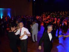 Gut gefüllte Tanzfläche