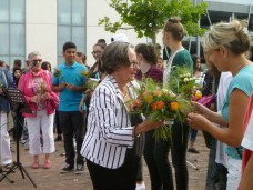 Blumen zum Dank an die Teilnehmenden