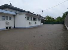 Der Parkplatz in seinem ursprünglichen Grau