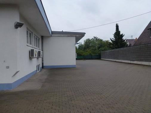 Parkplatz vorher
