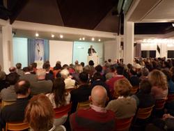 Prof. Werner vor Publikum