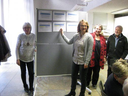 Foto TIM; Irene Thomas (Mitte) mit G.Oehmann, P.Schaidhammer, B.Enz (v.l.)